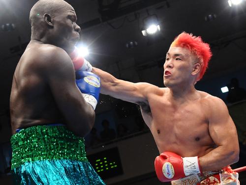 ボクシング ヘビー 級 チャンピオン