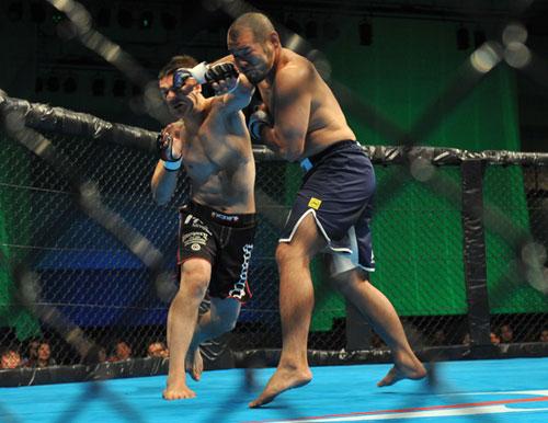 【HEAT】空道王者・加藤久輝、総合格闘技2戦目もTKO勝ち