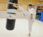 ▲得意の上段への蹴りを披露した鎌田。さらにパワーアップ