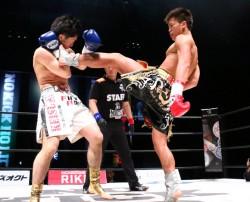 国内55kg級最後の敵ともいえる宮元(左)にも圧勝した那須川(右)