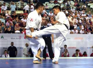 無差別級の世界王者・島本(中央)が宿敵・入来(左)を決勝で破り初優勝。10年ぶりのグランドスラムを達成した