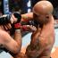 """【UFC】""""悪童""""ニック・ディアスが復帰戦でTKO負け、""""激闘派""""ローラーが""""殴り合い""""を制し17年ぶりに雪辱を果たす"""